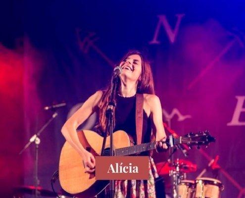 Alícia - Cantante y guitarrista