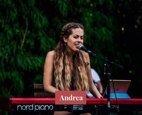 Andrea - Pianista y cantante