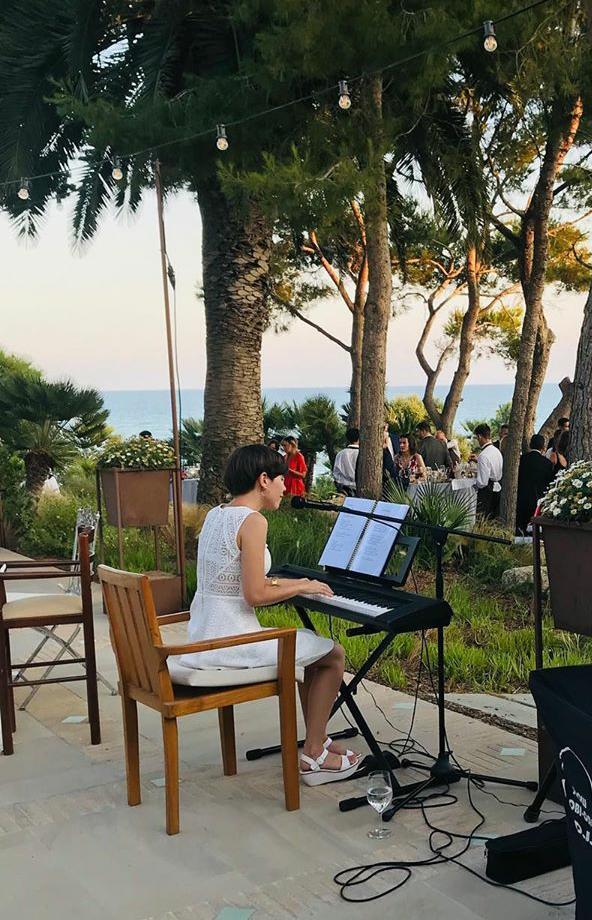 Elisabet pianista cantante para bodas