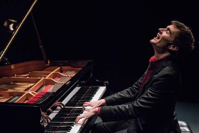 Oriol - Pianista para bodas