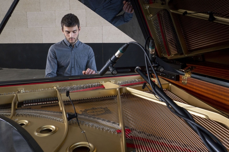Rai pianista para bodas