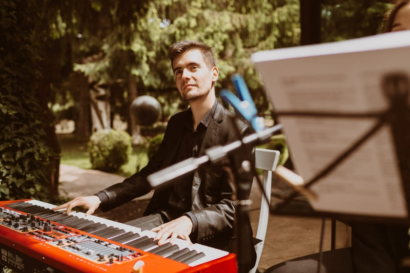 Oriol pianista para bodas