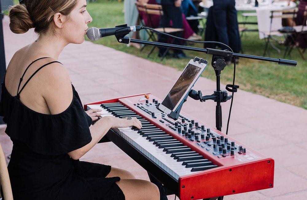 Pianista cantante Andrea